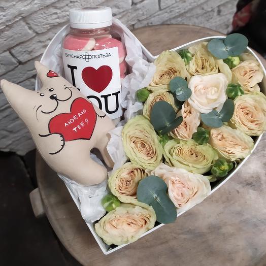 "Коробочка ""Люблю тебя"": букеты цветов на заказ Flowwow"