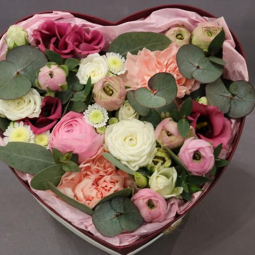 """Цветы в коробке """"Нежный поцелуй"""""""