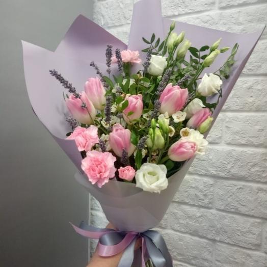 Тюльпаны с лавандой в букете
