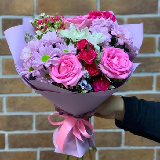 Букет роз с альстромерией и хризантемой