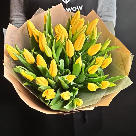 33 желтых тюльпана