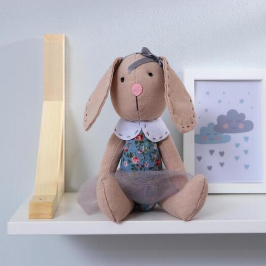 Мягкая игрушка «Зайка», юбка в сеточку, цвета МИКС