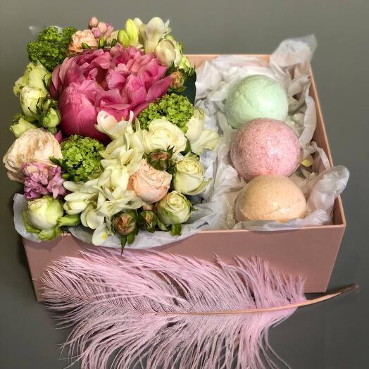 Цветы в коробке ( подарочный набор 5)