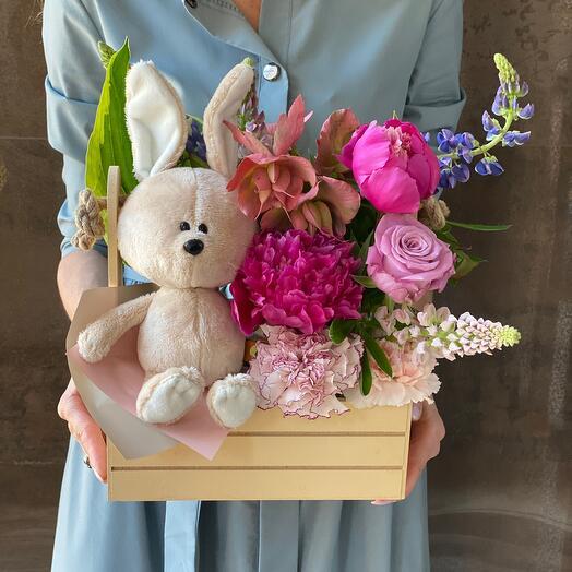 Милый Зайка с цветами