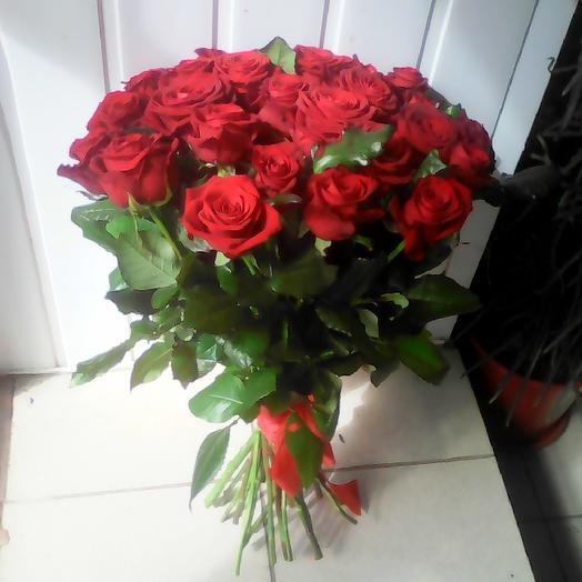 Букет из 25 красных кенийская роза: букеты цветов на заказ Flowwow