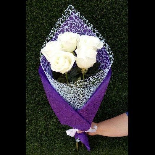 Букет 5 белых роз