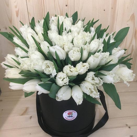 Шляпная коробка из 101 тюльпана