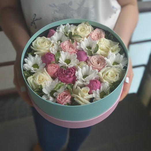 Цветы в шляпной коробке Тиффани: букеты цветов на заказ Flowwow
