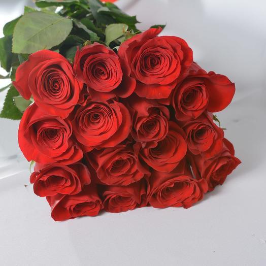 15 роз высотой 60 см в букете (Эквадор): букеты цветов на заказ Flowwow