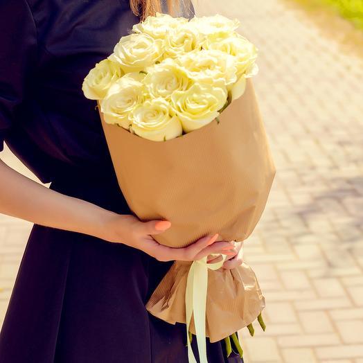 Букет из 11 белых роз (60см): букеты цветов на заказ Flowwow