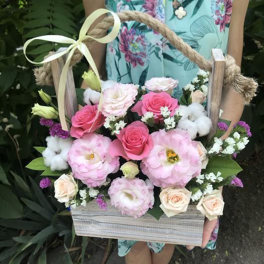Нежная  цветочная композиция в нежно-розовых оттенках