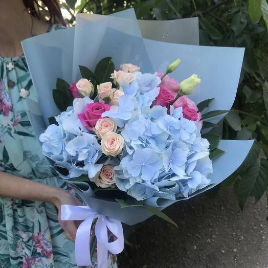 Романтичный букет с гортензией