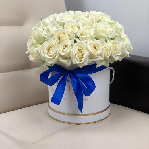 Коробка белых роз Валентина 51 штука: букеты цветов на заказ Flowwow