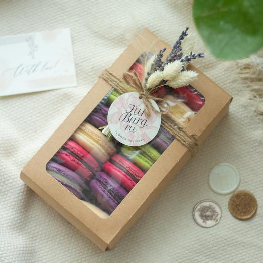 Коробочка с макарунами «Приятный сюрприз» 14 шт
