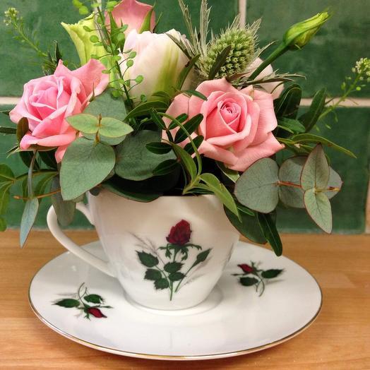 Цветы в чашке: букеты цветов на заказ Flowwow