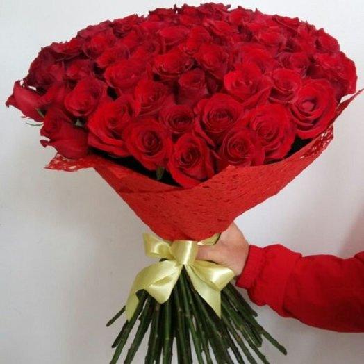 Букет шикарных красных роз: букеты цветов на заказ Flowwow