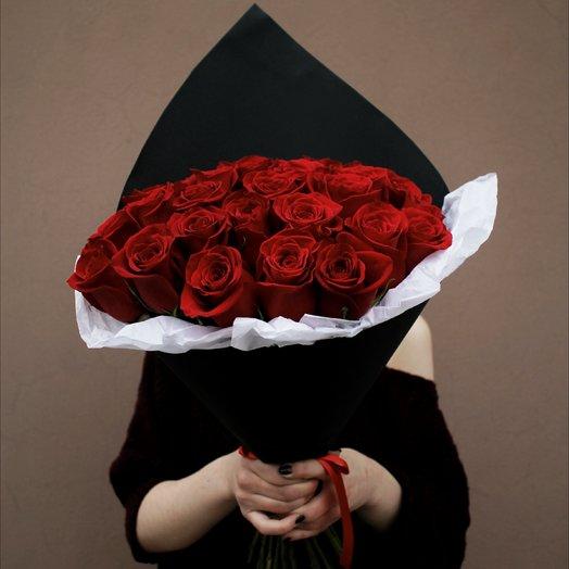 Страстный букет из 35 красных роз: букеты цветов на заказ Flowwow