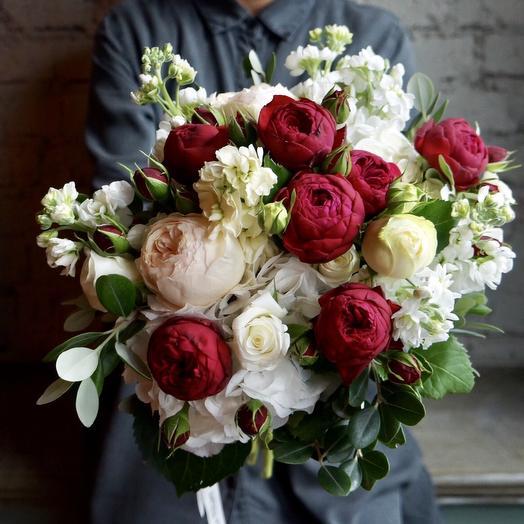 Садовые розы и Гортензия: букеты цветов на заказ Flowwow