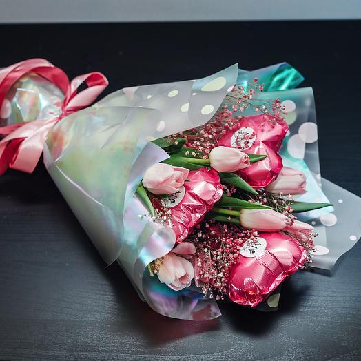 Букет из тюльпанов с шариками: букеты цветов на заказ Flowwow