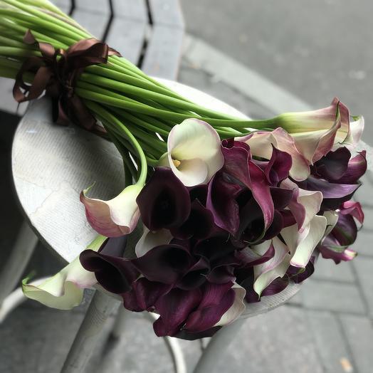 Необыкновенные каллы для необыкновенной дамы: букеты цветов на заказ Flowwow