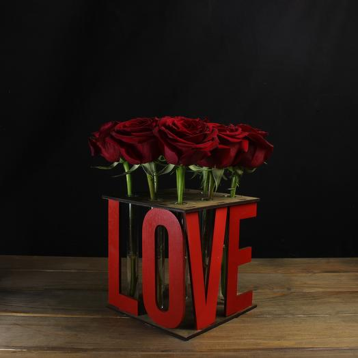 """Композиция """"Love"""" (красная) из 9 роз: букеты цветов на заказ Flowwow"""