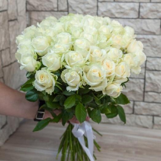 51 белая роза 50 см: букеты цветов на заказ Flowwow