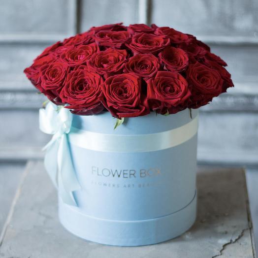25 красных роз в круглой коробке: букеты цветов на заказ Flowwow