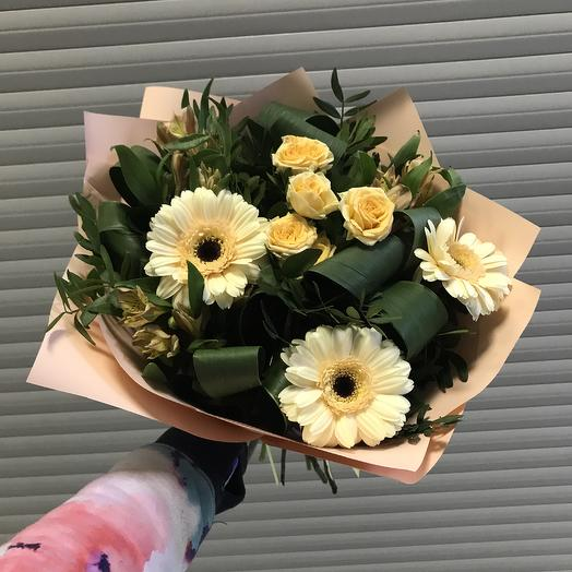 Солнце в руках: букеты цветов на заказ Flowwow