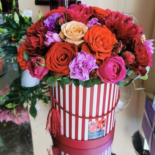 Пионовидные розы и бордо