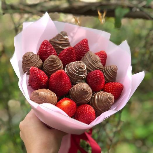 """A bouquet of Chocolate-covered Strawberries """"mini"""""""