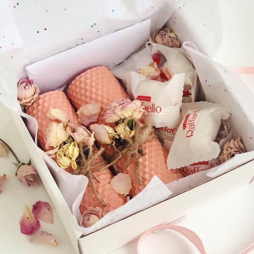Подарочный бокс две свечи+конфеты
