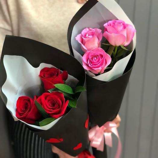 Букет из 3 роз в стильной упаковке (цвет на выбор)