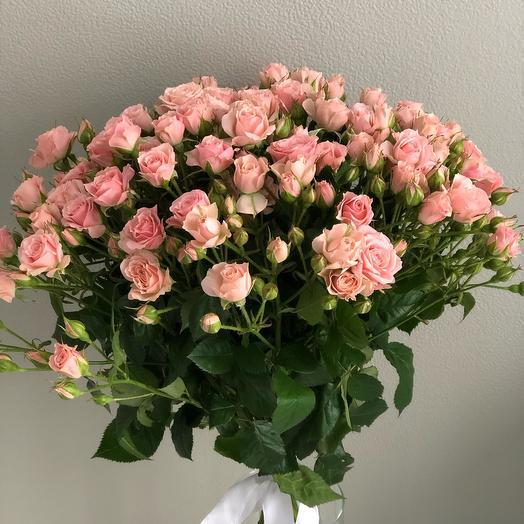 Букет Счастливый момент из кустовых роз