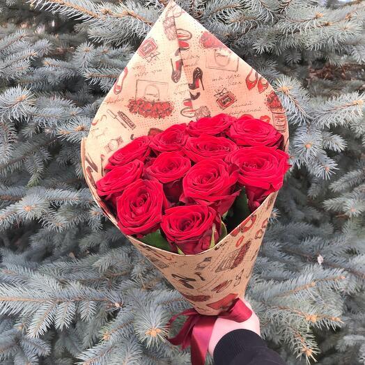 Rosalina Букет из 11 Бордовых роз в крафт