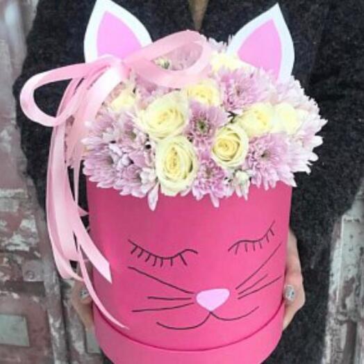 Цветы в коробке «Кошечка»