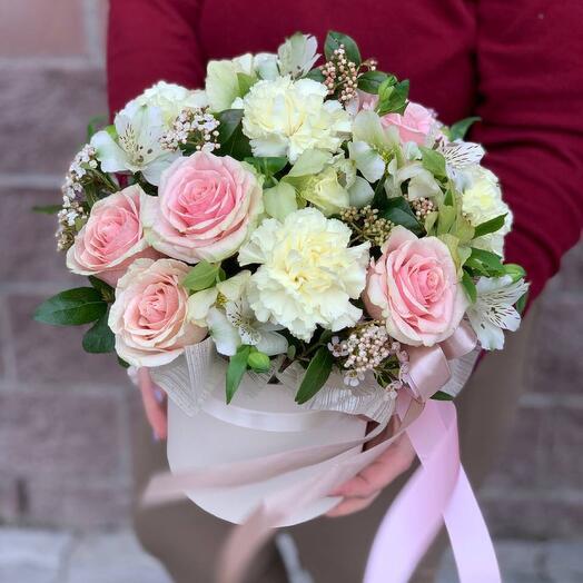 Цветы в коробке  зефирка
