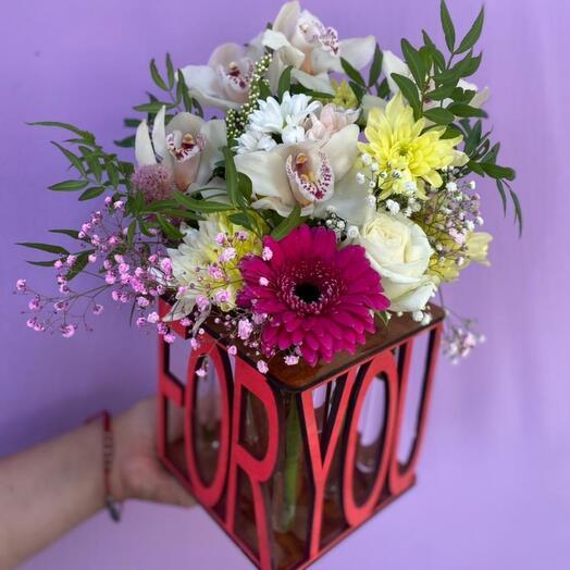 Ящик с цветочной композицией FOR YOU