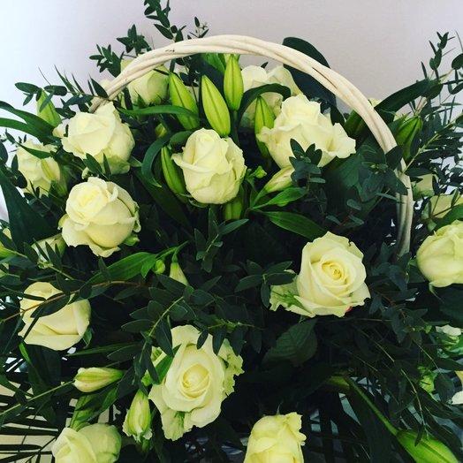 White basket : flowers to order Flowwow