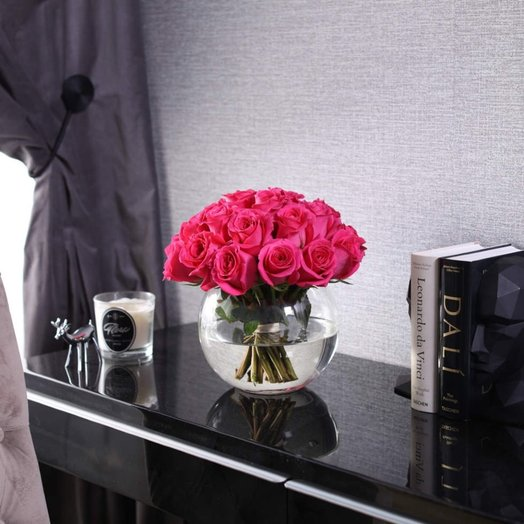 Букет из 25 роз Pink F oyd в вазе: букеты цветов на заказ Flowwow