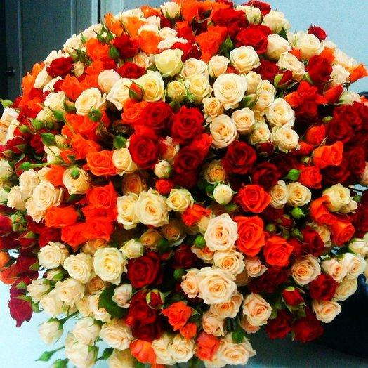 """Букет кустовых роз """"Счастье"""""""