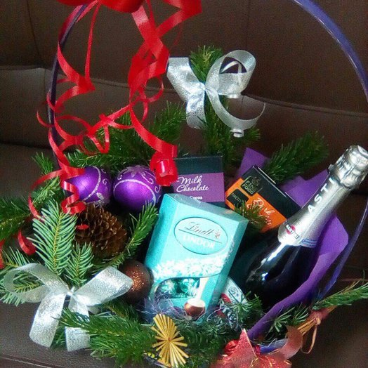"Корзина ""Новогодняя 2"": букеты цветов на заказ Flowwow"