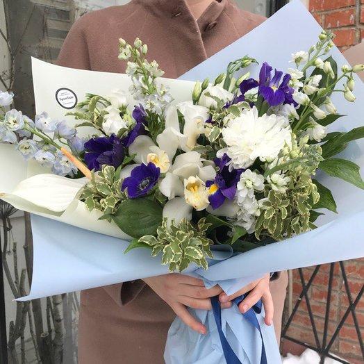Букет с дельфиниумом : букеты цветов на заказ Flowwow