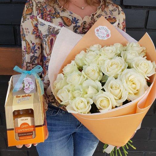 Букет из 21 роз и вкусный джем: букеты цветов на заказ Flowwow
