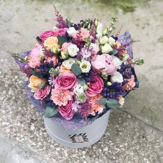 Пышная коробка с цветами