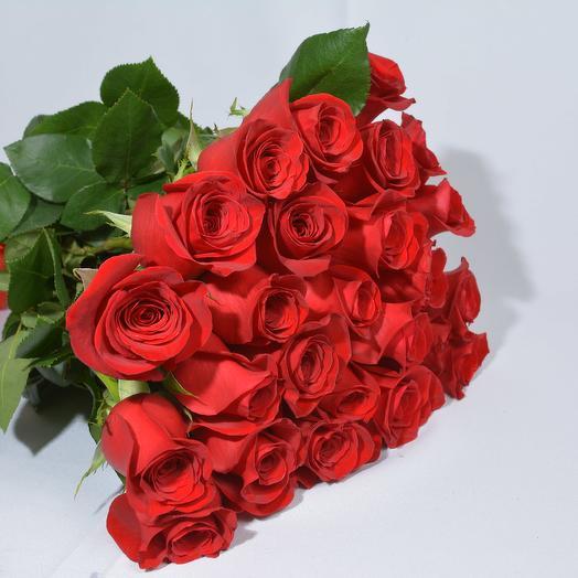 19 красных роз 50 см в букете: букеты цветов на заказ Flowwow