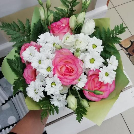 Букет из роз, хризантем и эустомы: букеты цветов на заказ Flowwow