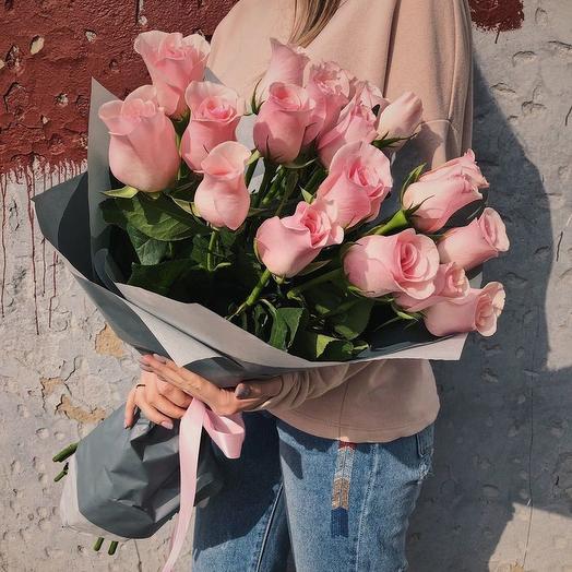 """БУКЕТ ИЗ 19 РОЗОВЫХ РОЗ 70 СМ """"КЕЙТ"""": букеты цветов на заказ Flowwow"""