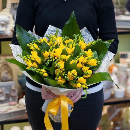 """Букет цветов """"Желтые фрезии"""": букеты цветов на заказ Flowwow"""