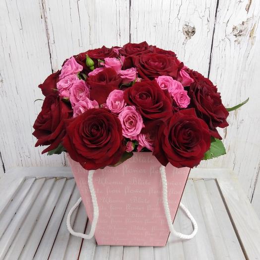 Милая коробочка из роз Вдохновение: букеты цветов на заказ Flowwow