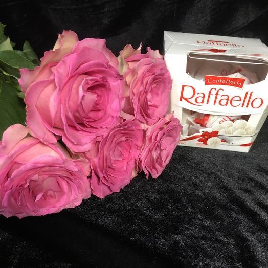 5 Розовых Роз с рафаэлло